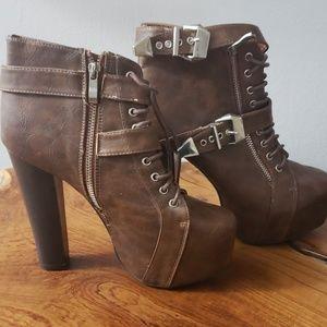 Delicacy heel boots